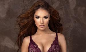蕾丝内衣装扮长发美女摄影高清图片
