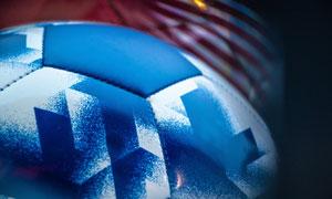 蓝色喷溅元素创意足球设计高清图片