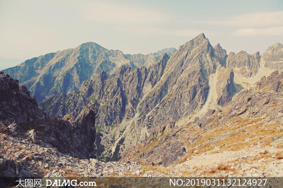 荒凉景象群山自然风光摄影高清图片