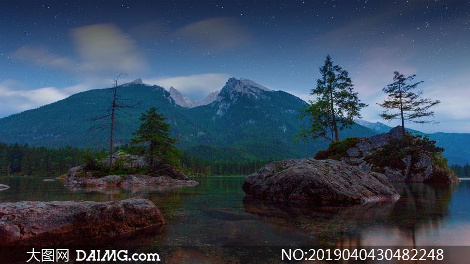 高清图片 自然风景 > 素材信息                          雪山与湖边