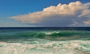 蓝天白云与无边际大海摄影高清图片