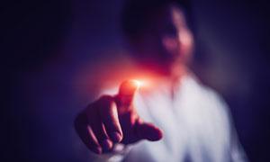 人物手指发光效果创意摄影高清图片