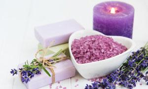 蜡烛薰衣草与SPA用品摄影高清图片