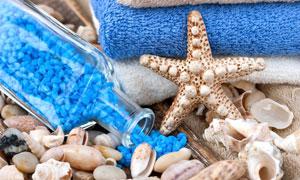 毛巾海星贝壳与浴盐等摄影高清图片