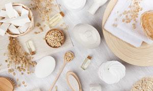 燕麦面条与按摩梳生活用品摄影五百万彩票图片