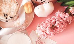 浴盐鲜花与马卡龙饼干摄影高清图片
