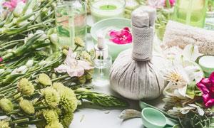 蜡烛与鲜花药包等SPA用品高清图片