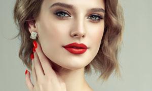 短发造型红唇美女人物摄影高清图片
