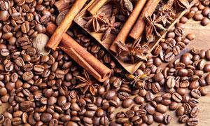 咖啡豆与桂皮八角草果摄影高清图片