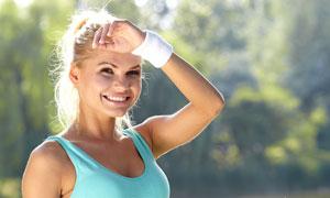 健身运动装扮金发美女摄影高清图片
