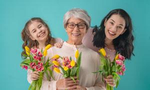 美女与老人小女孩人物摄影高清图片