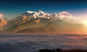 云海与连绵的群山自然风景高清图片