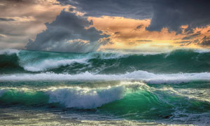 波涛翻滚着的大海风景摄影高清图片