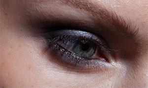 涂黑色眼影的眼睛特写人物原片素材