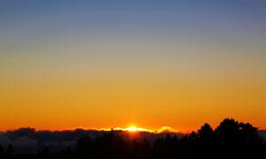 黄昏夕阳天空霞光风景摄影高清图片