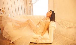 内景婚纱短发新娘人物摄影原片素材