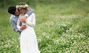 芳草地外景婚纱照人物摄影原片素材