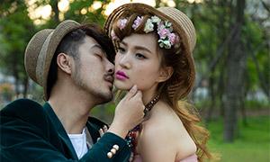 草坪上的人物外景婚纱摄影原片素材