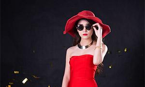 戴墨镜的红裙美女人物摄影原片素材