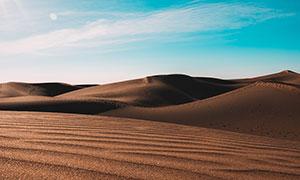 阳光下的美丽沙漠高清摄影图片