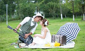 树林草坪外景人物婚纱摄影原片素材