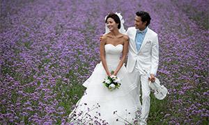 一对白色婚纱礼服恋人摄影原片素材