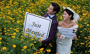 洋溢着幸福笑容的恋人婚纱摄影原片