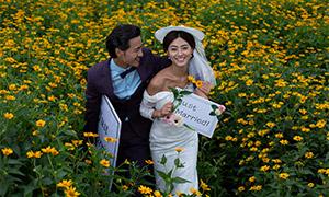 开心幸福笑容恋人婚纱摄影原片素材