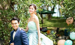 树木草坪外景婚纱摄影主题原片素材