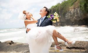 被抱起来的美女婚纱照摄影高清原片