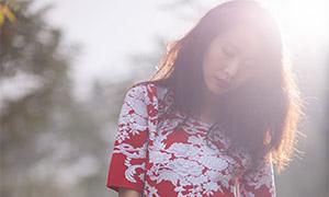刺绣红裙美女人物写真摄影原片素材