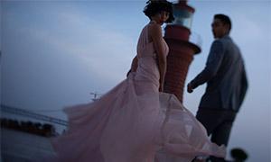 粉红色长裙美女婚纱照摄影原片素材