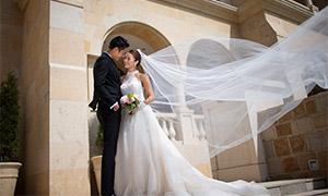 头纱飞起来的外景婚纱摄影原片素材