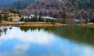 普达措国家公园美丽湖泊摄影图片
