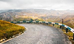 山間美麗的道路風光攝影圖片