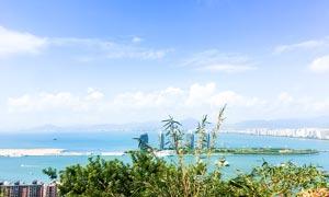 蓝天下的三亚美景摄影图片