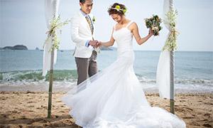 海边沙滩白色婚纱礼服人物原片素材