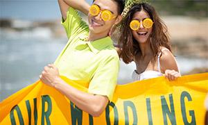 戴橙子眼镜的情侣人物摄影高清原片