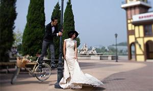 廣場外景人物婚紗攝影高清原片素材