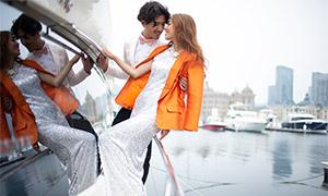 水面游艇上的人物婚纱摄影原片素材