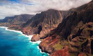 海边壮观的悬崖摄影图片