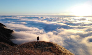 武功山山頂日出美景攝影圖片