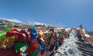 蓝天下的西藏山区美景摄影图片
