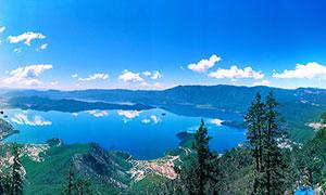 美丽的泸沽湖全景摄影图片
