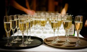 酒宴派对上的香槟特写摄影高清图片