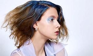 短發濃妝美女人物側面攝影高清圖片