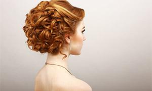 美女盤起來的頭發特寫攝影高清圖片