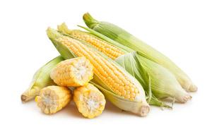 堆在一起的甜玉米特写摄影高清图片