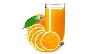 橙子与鲜榨的果汁特写摄影高清图片