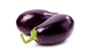 圆润有光泽的紫色茄子摄影高清图片